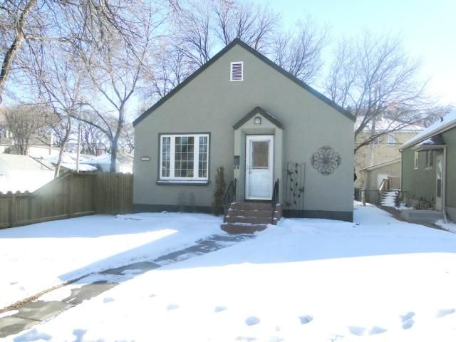 Main Photo: 880 Warsaw Street in WINNIPEG: Fort Rouge / Crescentwood / Riverview Residential for sale (South Winnipeg)  : MLS®# 1202664