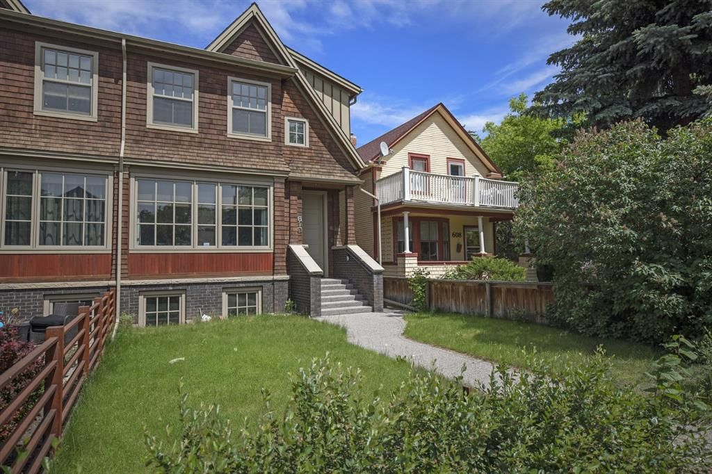 Photo 2: Photos: 610 22 Avenue SW in Calgary: Cliff Bungalow Semi Detached for sale : MLS®# A1094360
