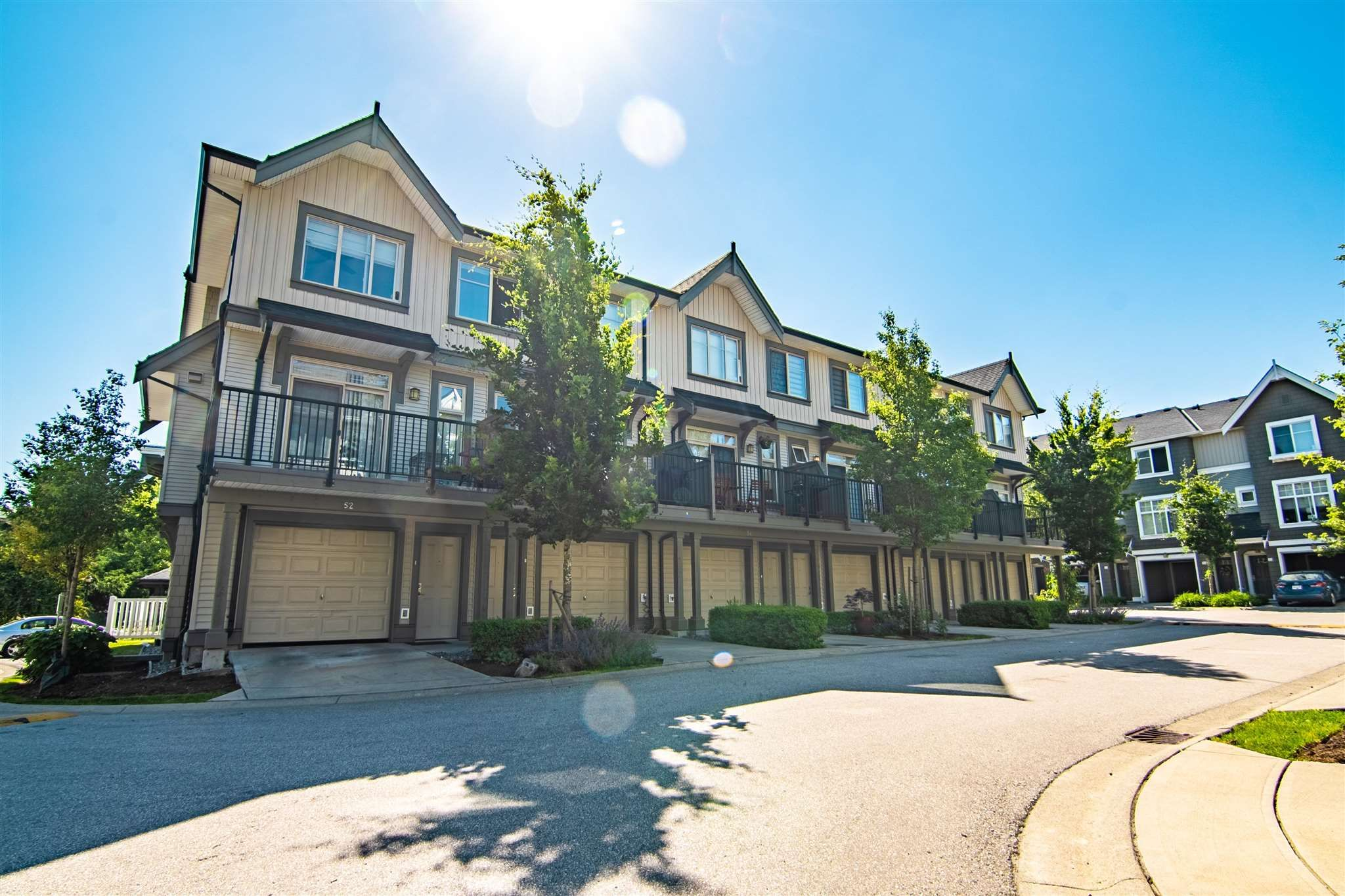 Main Photo: 52 31098 WESTRIDGE Place in Abbotsford: Abbotsford West Townhouse for sale : MLS®# R2596085