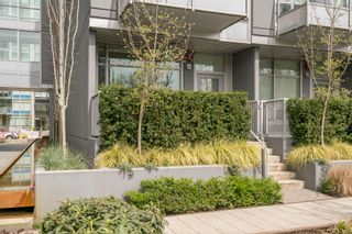 "Photo 3: 146 E 1ST Avenue in Vancouver: Mount Pleasant VE Condo for sale in ""Meccanica"" (Vancouver East)  : MLS®# R2259296"