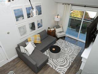 Photo 1: 302 3215 Alder St in VICTORIA: SE Quadra Condo for sale (Saanich East)  : MLS®# 828207