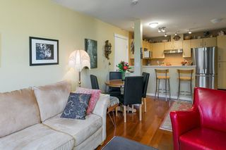 """Photo 3: 322 332 LONSDALE Avenue in North Vancouver: Lower Lonsdale Condo for sale in """"CALYPSO"""" : MLS®# R2275459"""