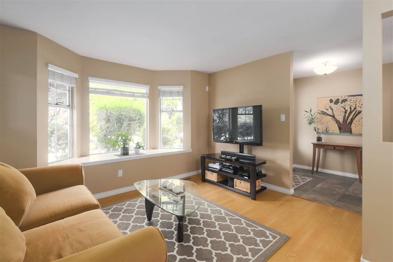 """Photo 3: Photos: 10 11500 NO. 1 Road in Richmond: Steveston South Townhouse for sale in """"MAGNOLIA COURT"""" : MLS®# R2493915"""