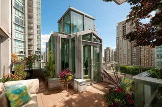 """Photo 2: 901 565 SMITHE Street in Vancouver: Downtown VW Condo for sale in """"VITA"""" (Vancouver West)  : MLS®# R2389668"""