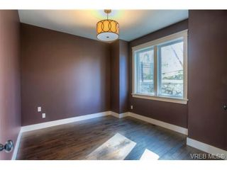 Photo 11: 103 Gibraltar Bay Dr in VICTORIA: VR Six Mile House for sale (View Royal)  : MLS®# 713099