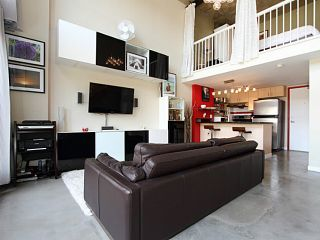 """Main Photo: 510 22 E CORDOVA Street in Vancouver: Downtown VE Condo for sale in """"THE VAN HORNE"""" (Vancouver East)  : MLS®# V1070039"""