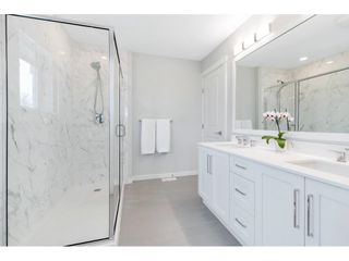 """Photo 26: 17 15717 MOUNTAIN VIEW Drive in Surrey: Grandview Surrey Townhouse for sale in """"Olivia"""" (South Surrey White Rock)  : MLS®# R2572266"""