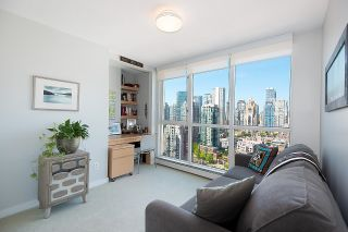"""Photo 17: 2701 1201 MARINASIDE Crescent in Vancouver: Yaletown Condo for sale in """"The Peninsula"""" (Vancouver West)  : MLS®# R2602027"""