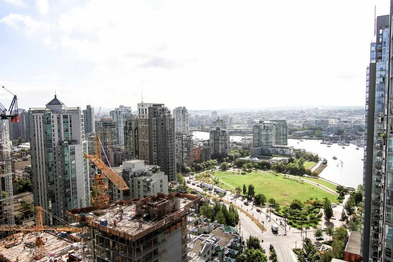 "Main Photo: 3307 1495 RICHARDS Street in Vancouver: Yaletown Condo for sale in ""AZURA II"" (Vancouver West)  : MLS®# R2125744"