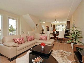 Photo 1: 10 1060 Tillicum Rd in VICTORIA: Es Kinsmen Park Row/Townhouse for sale (Esquimalt)  : MLS®# 717793