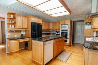 Photo 2: 1957 Pinehurst Pl in : CR Campbell River West House for sale (Campbell River)  : MLS®# 869499