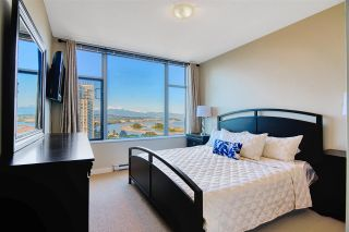 "Photo 13: 1202 280 ROSS Drive in New Westminster: Fraserview NW Condo for sale in ""The Carlyle"" : MLS®# R2396887"