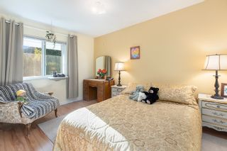 """Photo 22: 4763 HOSKINS Road in North Vancouver: Lynn Valley Townhouse for sale in """"Yorkwood Hills"""" : MLS®# R2617725"""