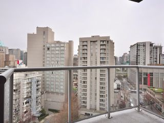 """Photo 10: 1205 1050 SMITHE Street in Vancouver: West End VW Condo for sale in """"THE STERLING"""" (Vancouver West)  : MLS®# V820853"""