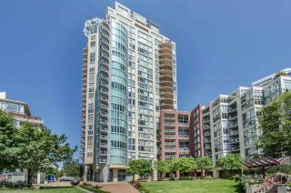 Photo 1: 709 990 BEACH AVENUE in Vancouver: Yaletown Condo for sale (Vancouver West)  : MLS®# R2187799