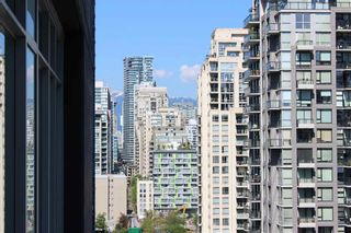 Photo 3: 1705 1732 Seymour Street in Vancouver: Yaletown Condo for sale (Vancouver West)  : MLS®# R2265792