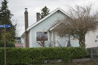 Photo 1: 2037 DUBLIN Street in New Westminster: Connaught Heights House for sale : MLS®# R2143068