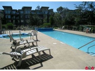 "Photo 3: 323 10180 153RD Street in Surrey: Guildford Condo for sale in ""CHARLTON PARK"" (North Surrey)  : MLS®# F1129375"