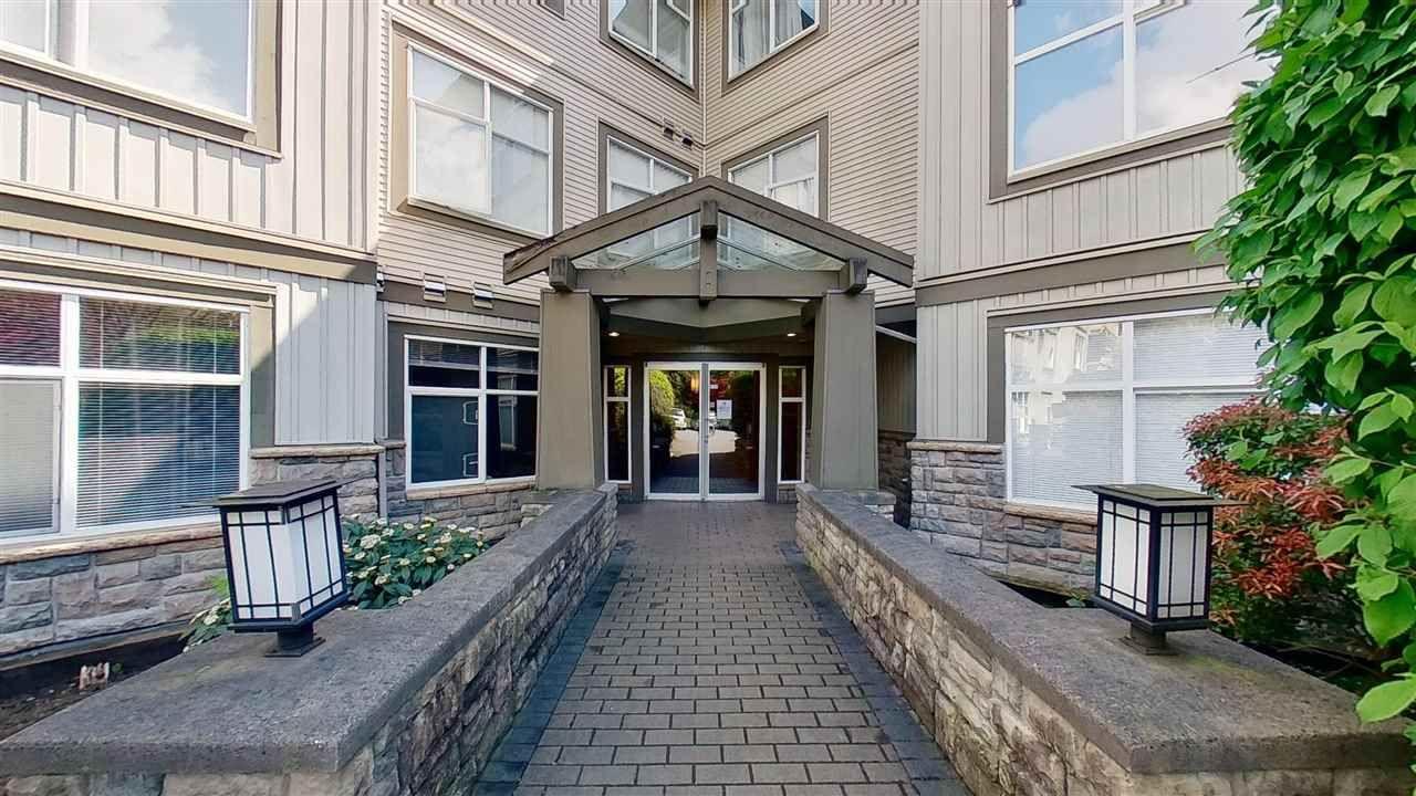 """Photo 4: Photos: 116 14885 105 Avenue in Surrey: Guildford Condo for sale in """"REVIVA"""" (North Surrey)  : MLS®# R2574705"""