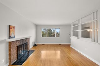 Photo 3: 260 Balfour Pl in : Vi Burnside House for sale (Victoria)  : MLS®# 870925