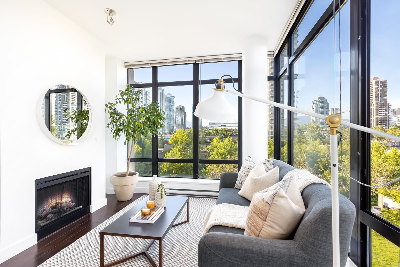 """Photo 4: Photos: 506 2345 MADISON Avenue in Burnaby: Brentwood Park Condo for sale in """"ONE MADISON AVENUE"""" (Burnaby North)  : MLS®# R2601656"""