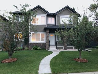 Photo 3: 2031 52 Avenue SW in Calgary: North Glenmore Park Detached for sale : MLS®# A1059510