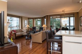 """Photo 2: 809 15111 RUSSELL Avenue: White Rock Condo for sale in """"PACIFIC TERRACE"""" (South Surrey White Rock)  : MLS®# R2141552"""