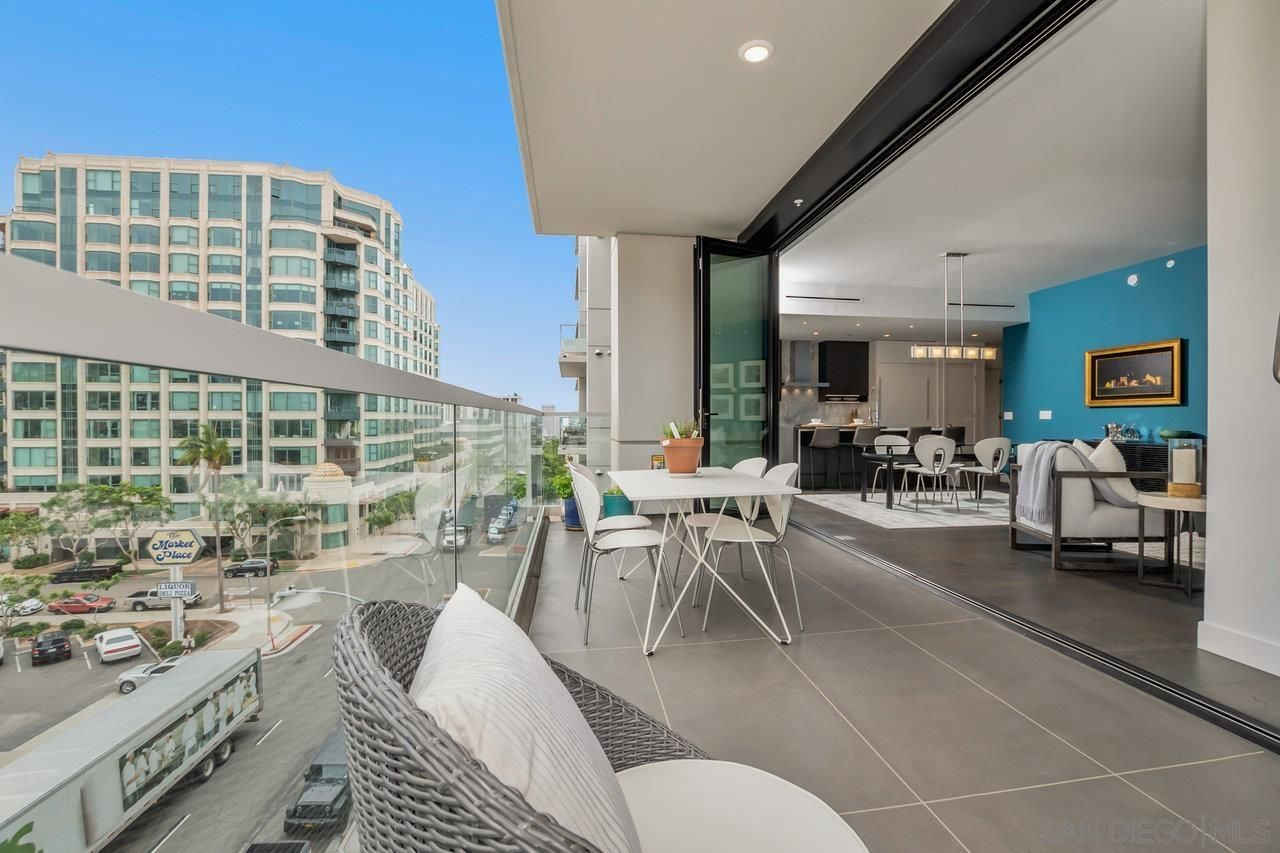 Main Photo: DOWNTOWN Condo for sale : 2 bedrooms : 2604 5th Ave #501 in San Diego