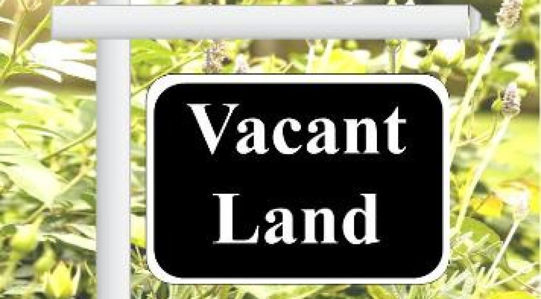 Main Photo: 30 Moore Road in Mount Uniacke: 105-East Hants/Colchester West Vacant Land for sale (Halifax-Dartmouth)  : MLS®# 202114046