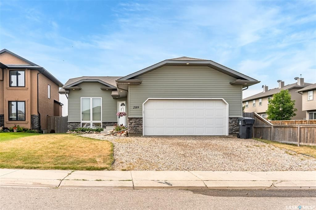 Main Photo: 289 Maccormack Road in Martensville: Residential for sale : MLS®# SK864681