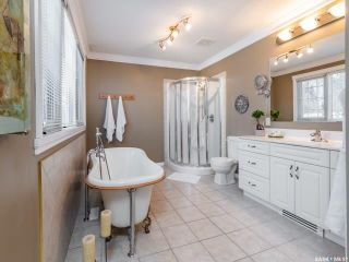 Photo 16: 551 Tobin Crescent in Saskatoon: Lawson Heights Residential for sale : MLS®# SK798034