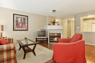 Photo 4: 103 17730 58A AVENUE in Surrey: Cloverdale BC Condo for sale (Cloverdale)  : MLS®# R2324764