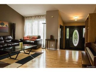 Photo 2: 47 Apex Street in WINNIPEG: Charleswood Residential for sale (South Winnipeg)  : MLS®# 1511231