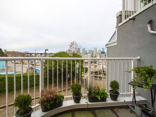 """Photo 18: 1592 ISLAND PARK Walk in Vancouver: False Creek Townhouse for sale in """"LAGOONS"""" (Vancouver West)  : MLS®# V1099043"""
