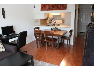 """Photo 4: 106 929 W 16TH Avenue in Vancouver: Fairview VW Condo for sale in """"OAKVIEW GARDENS"""" (Vancouver West)  : MLS®# V978752"""