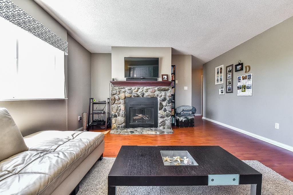 "Photo 4: Photos: 110 1354 WINTER Street: White Rock Condo for sale in ""Winter Estates"" (South Surrey White Rock)  : MLS®# R2171456"