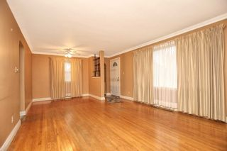 Photo 3: 67 S Elizabeth Crescent in Whitby: Blue Grass Meadows House (Bungalow) for sale : MLS®# E4609796