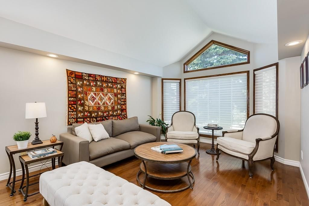 Photo 4: Photos: 115 SIERRA MORENA Circle SW in Calgary: Signal Hill Detached for sale : MLS®# C4299539