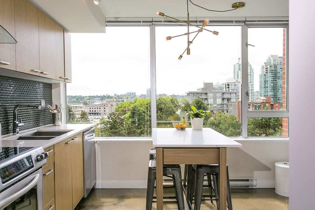 """Photo 9: Photos: 702 221 UNION Street in Vancouver: Strathcona Condo for sale in """"V6A"""" (Vancouver East)  : MLS®# R2372074"""