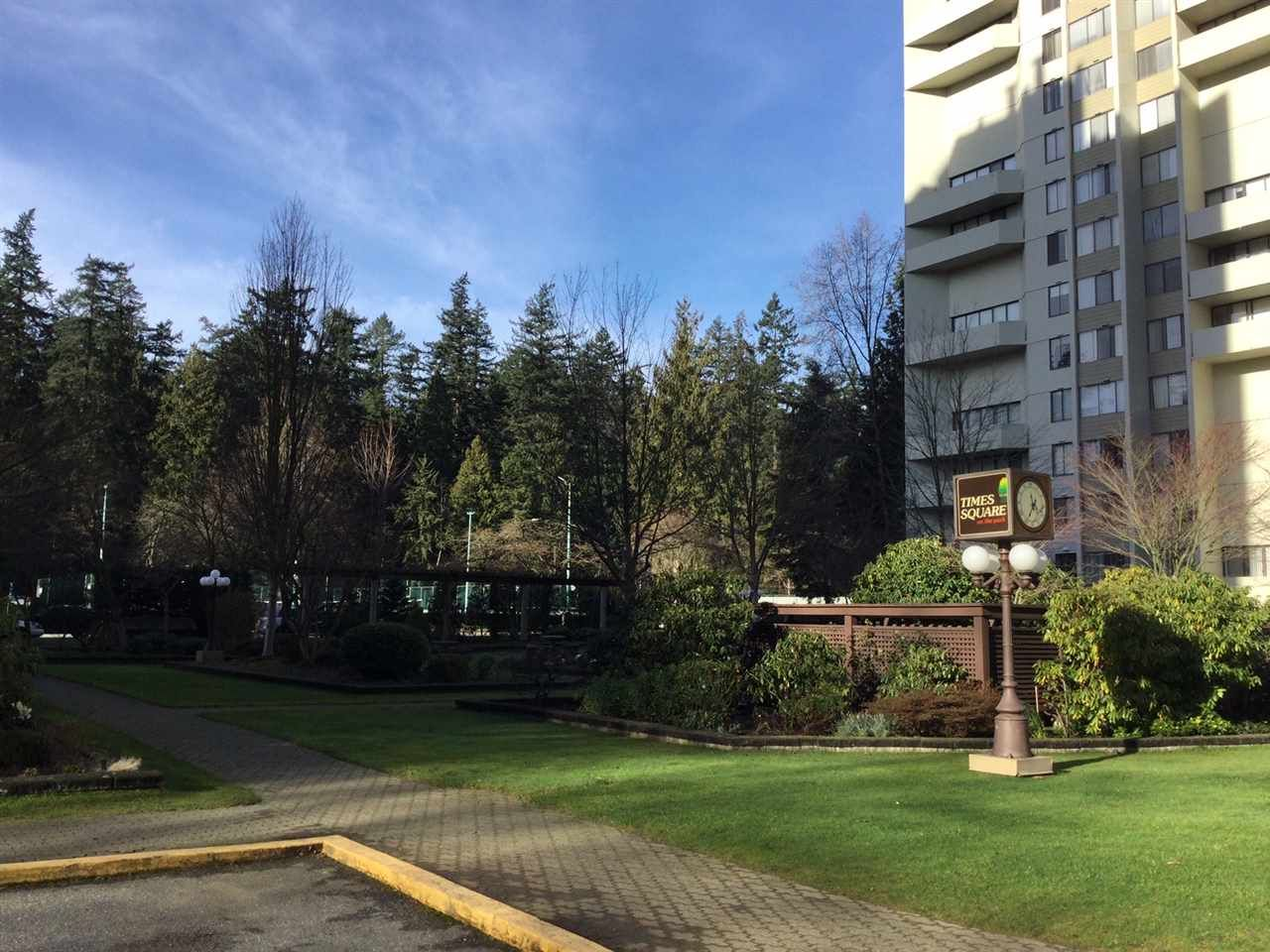 """Photo 2: Photos: 1802 4300 MAYBERRY Street in Burnaby: Metrotown Condo for sale in """"Times Square"""" (Burnaby South)  : MLS®# R2529822"""