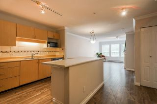 Photo 2: 305 9668 148 Street in Surrey: Guildford Condo for sale (North Surrey)  : MLS®# R2620868