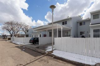 Photo 3: 152 LEE_RIDGE Road in Edmonton: Zone 29 Townhouse for sale : MLS®# E4241541
