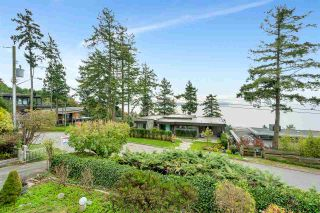 """Photo 2: 14887 HARDIE Avenue: White Rock House for sale in """"White Rock"""" (South Surrey White Rock)  : MLS®# R2509233"""