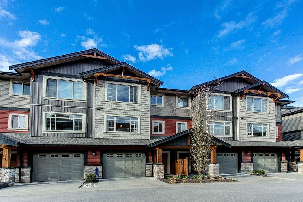 """Main Photo: 60 11305 240TH Street in Maple Ridge: Cottonwood MR Townhouse for sale in """"MAPLE HEIGHTS"""" : MLS®# R2559877"""