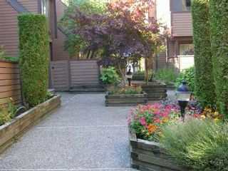 """Photo 7: 3317 MOUNTAIN Highway in North Vancouver: Lynn Valley Townhouse for sale in """"VILLAGE ON THE CREEK"""" : MLS®# V613638"""