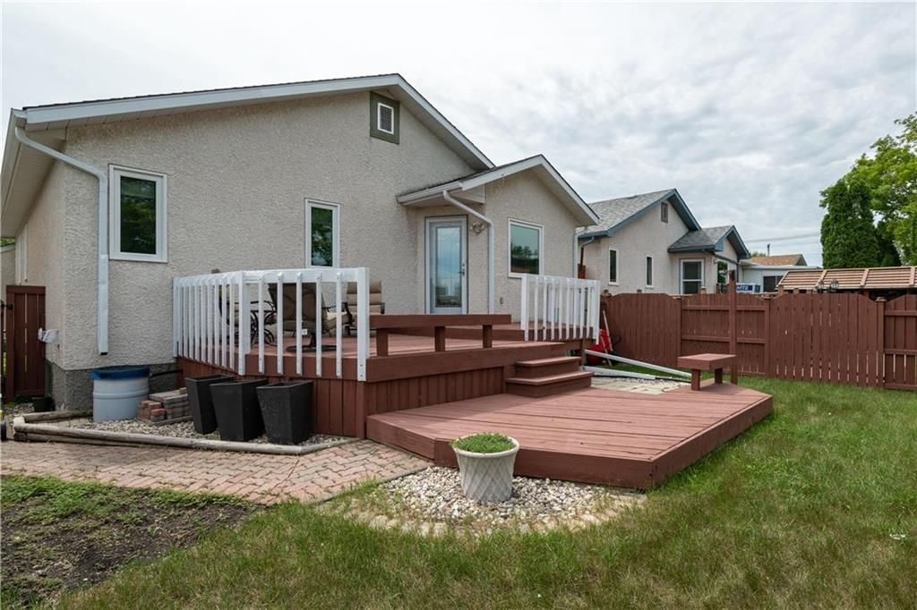 Photo 27: Photos: 1115 Waterford Avenue in Winnipeg: West Fort Garry Residential for sale (1Jw)  : MLS®# 202116113