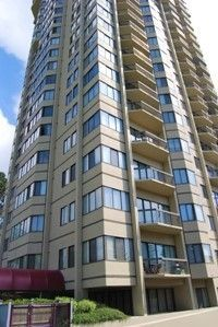 Photo 1: 605 6540 BURLINGTON AVENUE in Burnaby: Metrotown Condo for sale (Burnaby South)  : MLS®# R2222166