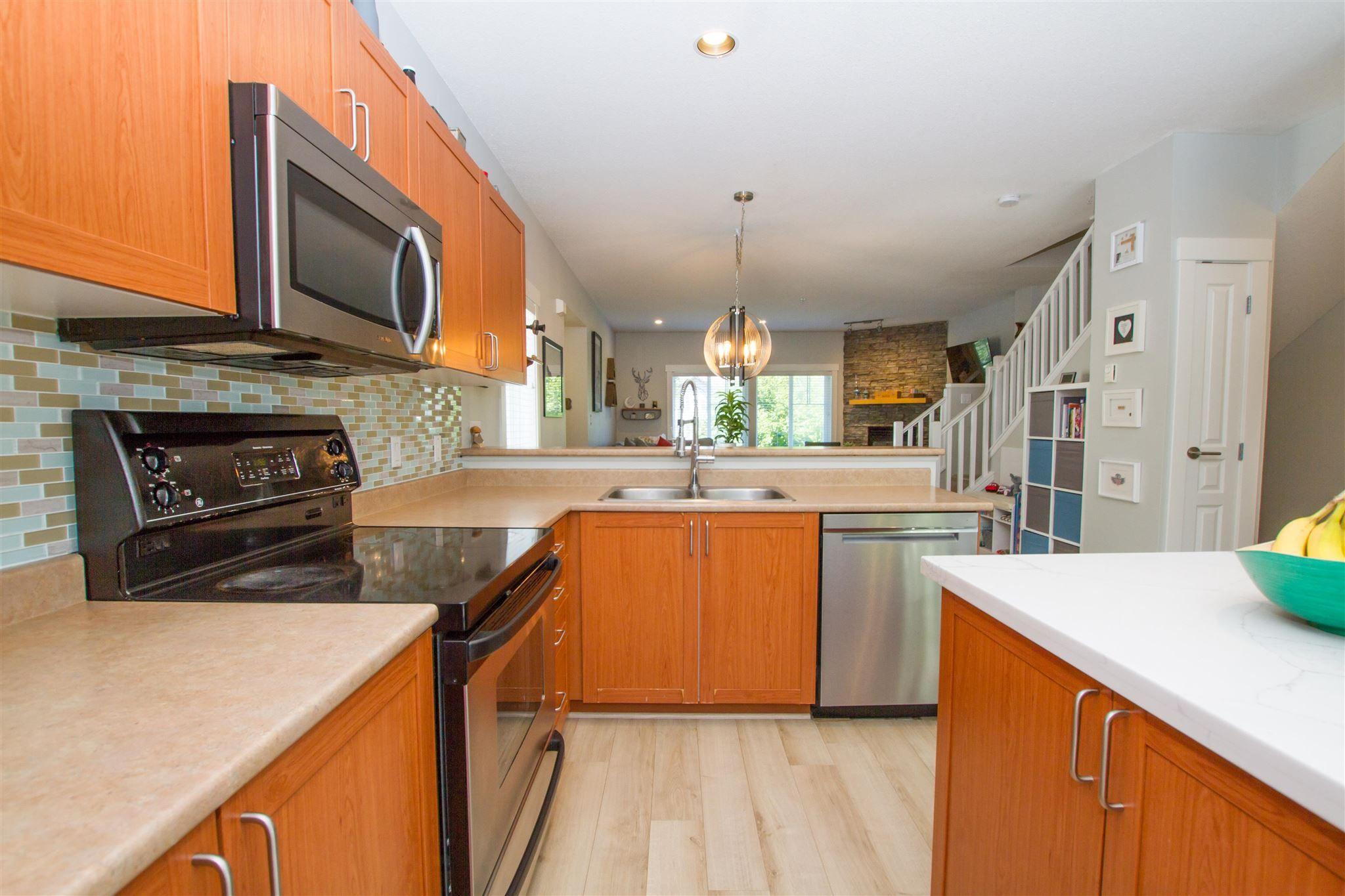 """Photo 16: Photos: 11 1800 MAMQUAM Road in Squamish: Garibaldi Estates Townhouse for sale in """"Virescence"""" : MLS®# R2597844"""