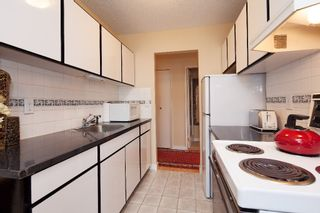 """Photo 9: 303 155 E 5TH Street in North Vancouver: Lower Lonsdale Condo for sale in """"WINCHESTER ESTATES"""" : MLS®# R2024794"""
