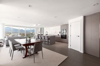 """Photo 5: 2101 620 CARDERO Street in Vancouver: Coal Harbour Condo for sale in """"CARDERO"""" (Vancouver West)  : MLS®# R2620274"""